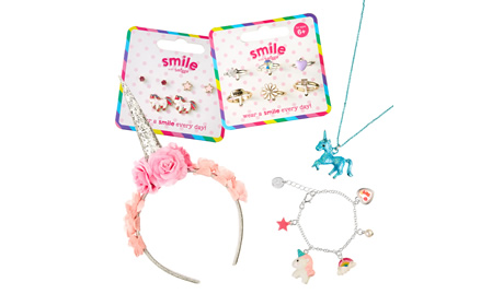 It's time to accessorise with Smiggle