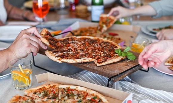 Restaurant Quality Ready-Made Pizzas Delivered